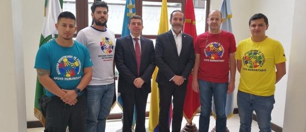 La Embajada destaca participación de colombiano en el equipo de fisioterapeutas que ayudaron a afectados por la explosión del volcán de fuego en Guatemala